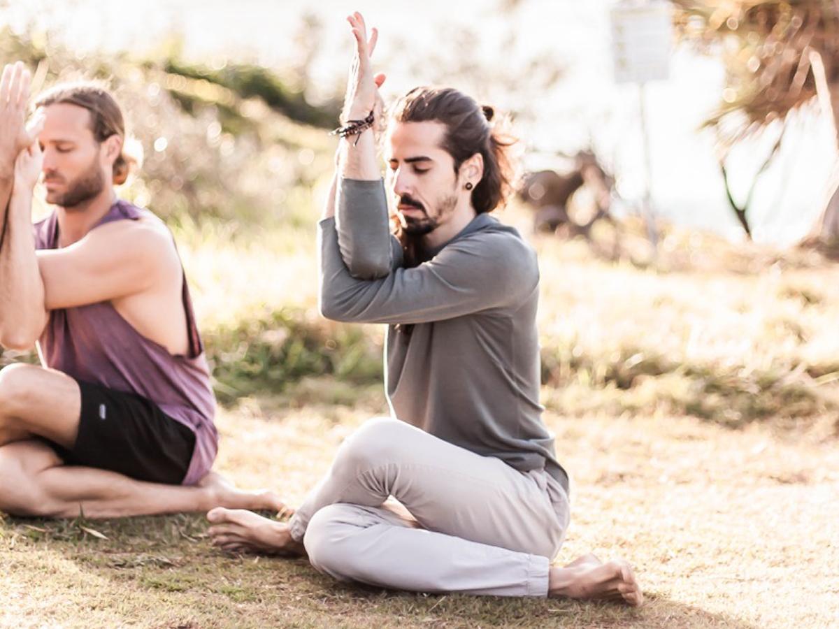 yoga_sunshine_coast_outdoors